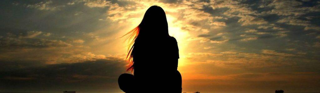 6359919324522670801602865813_girl-silhouette-in-the-sunset-light-girl-hd-wallpaper-1920x1200-7922